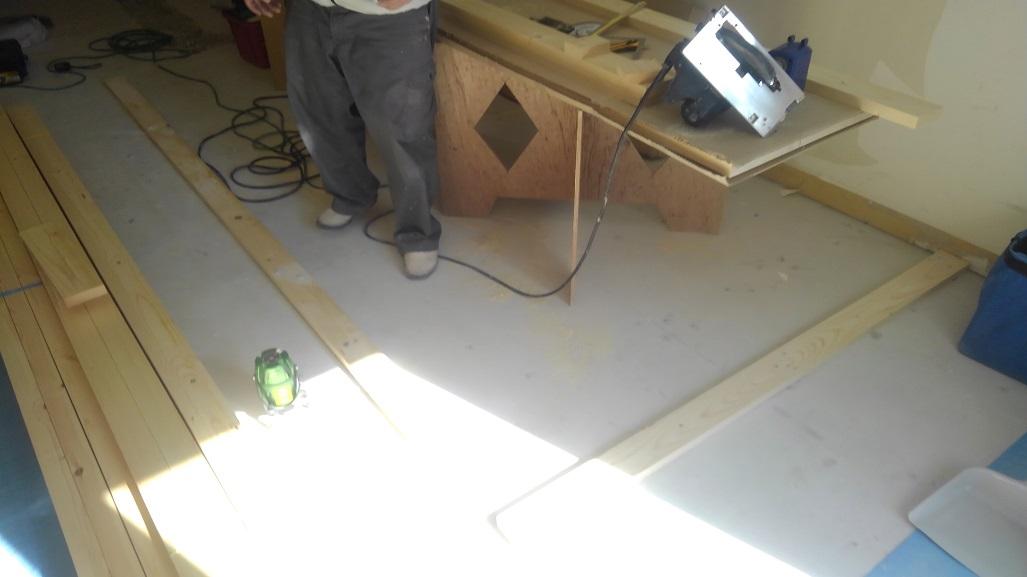 四条堀川に新たなカレー屋さんが誕生致します!!スパイス香るサラサラ系でございます。絶賛工事中のカウンター造作をご紹介!!;