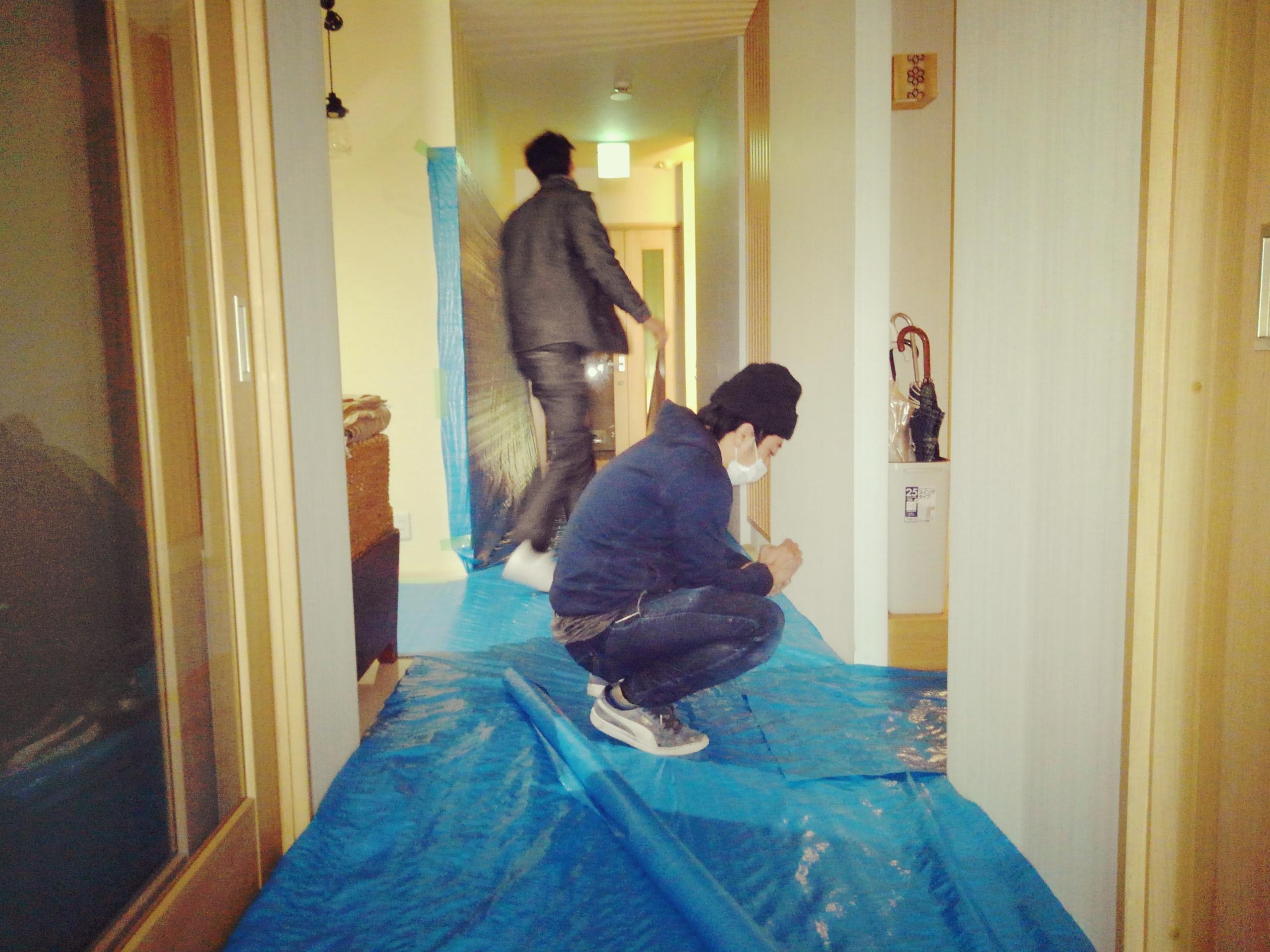 お客様の工事ばかりではありません、昨日からIWAKI STYLE事務所の改装をやって〼;