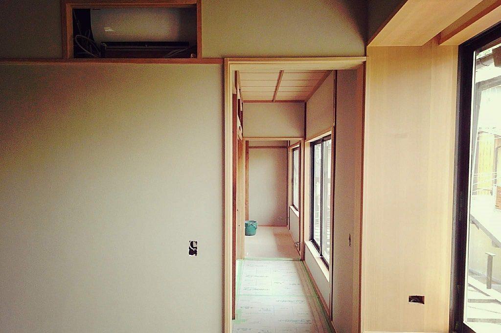 東山別荘では最終の仕上げ工程です!;