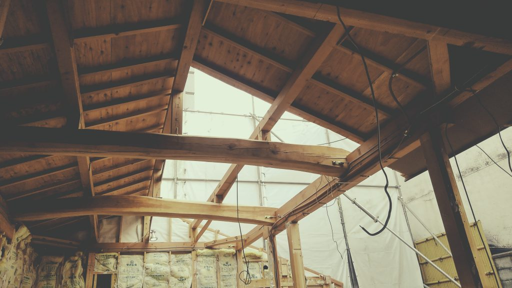 麩屋町六角ワインバーでは解体作業が進んでおります!;