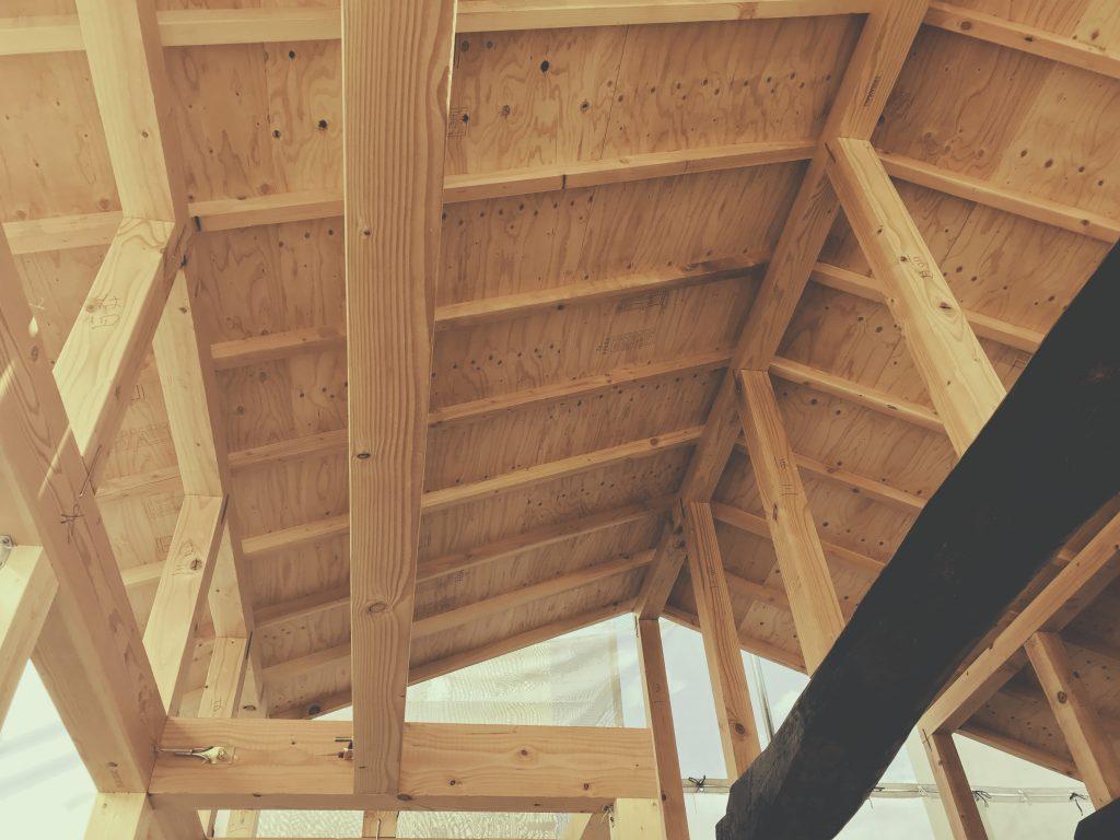 麩屋町六角ワインバーでは2F大屋根天井の下地が仕上がりました!;