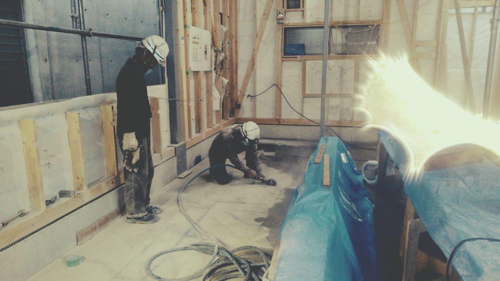 麩屋町六角ワインバーでは給排水設備埋込工事を行っております!;