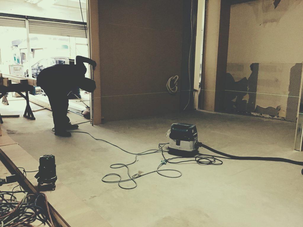 京都/山科フォトスタジオ様では床のレベルを調整しております!;