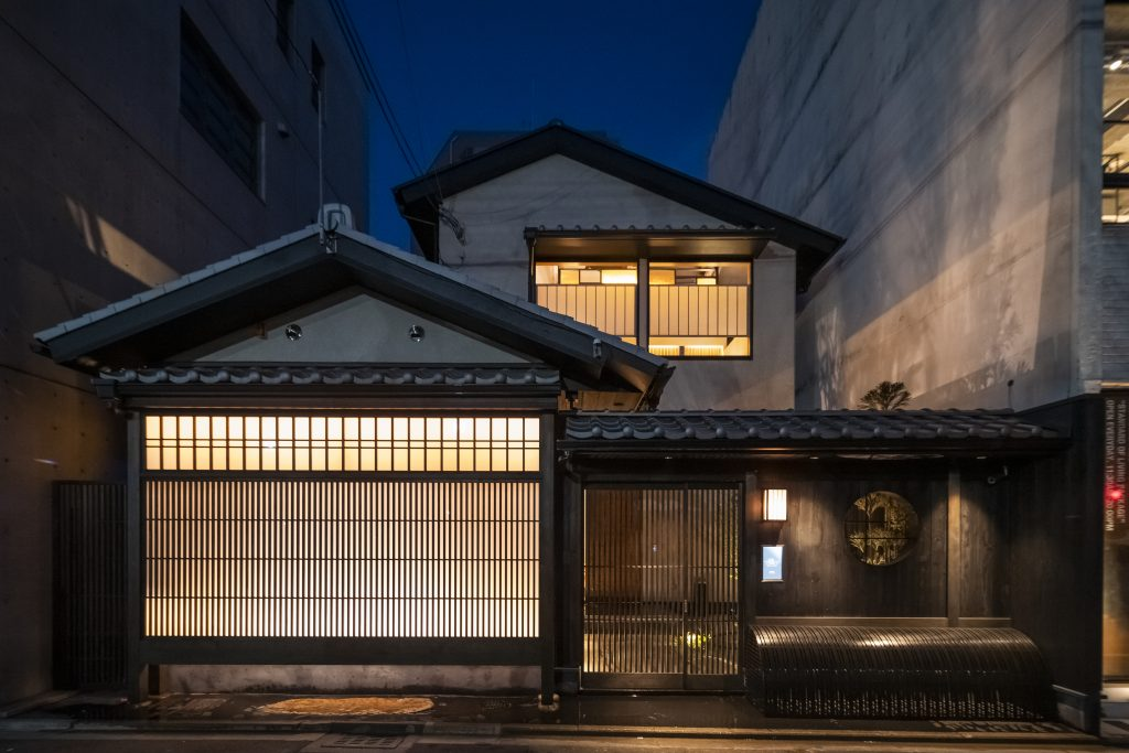 京都麩屋町六角ワインバー「manoir28」様に竣工写真撮影に伺いました!;