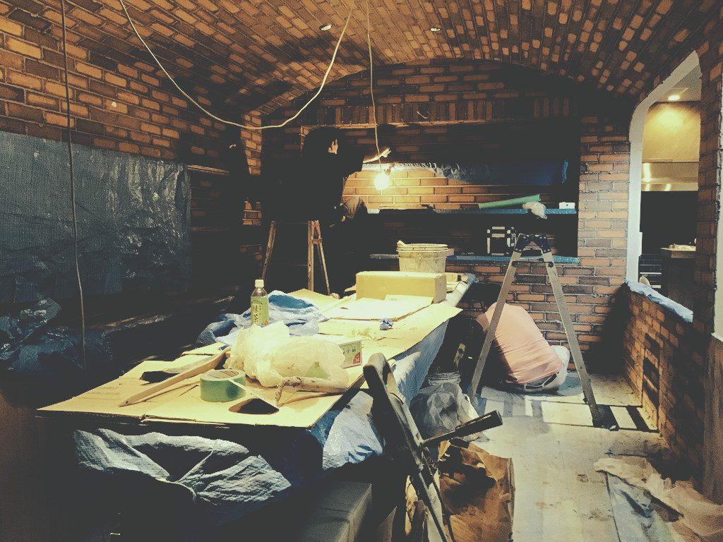 フジヤマ技研社員食堂改装工事 バーエリアが仕上がってきました;