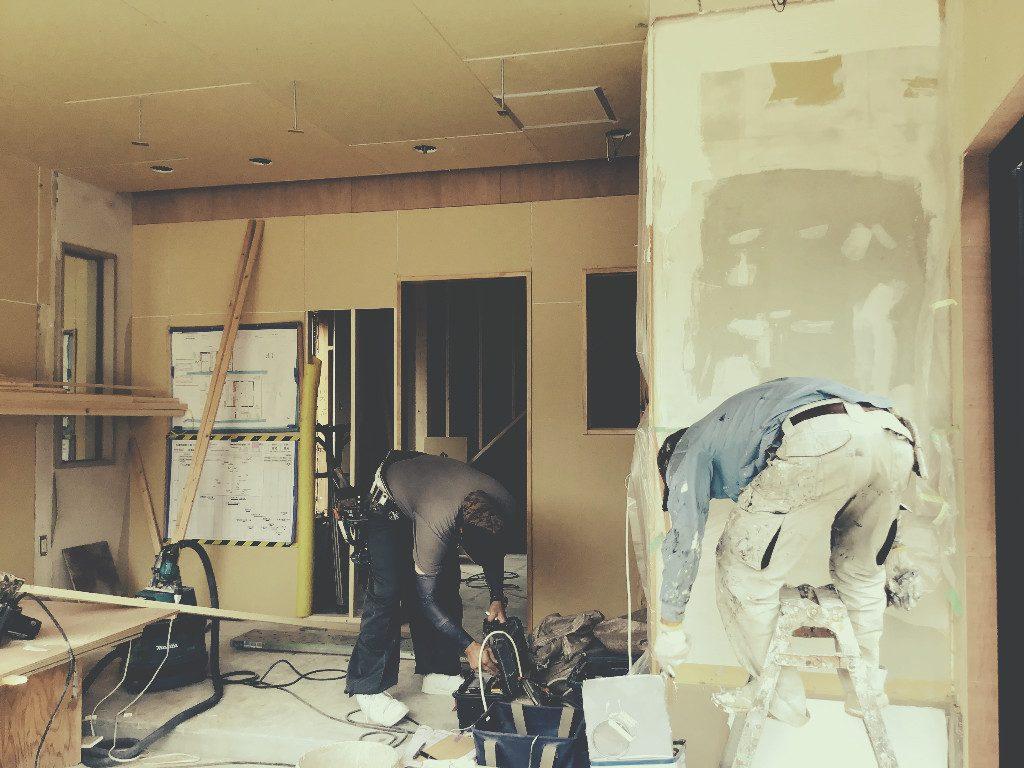 京都・松尾の和菓子屋さん移転工事は仕上げ工事に入っております。;