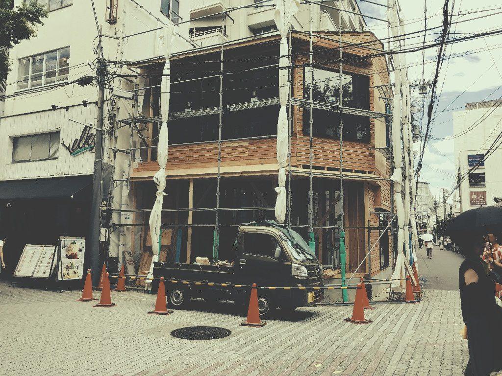 京都蛸薬師猫カフェ様の内装の大工工事;