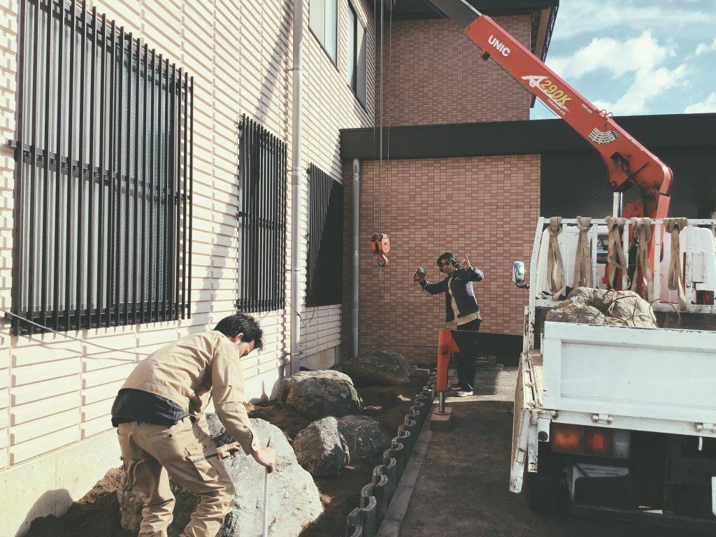 フジヤマ技研様事務所改装工事では、外構の工事を行いました;