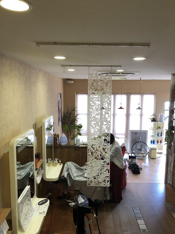亀岡の美容室ハニーリップス様、パーテーション設置;