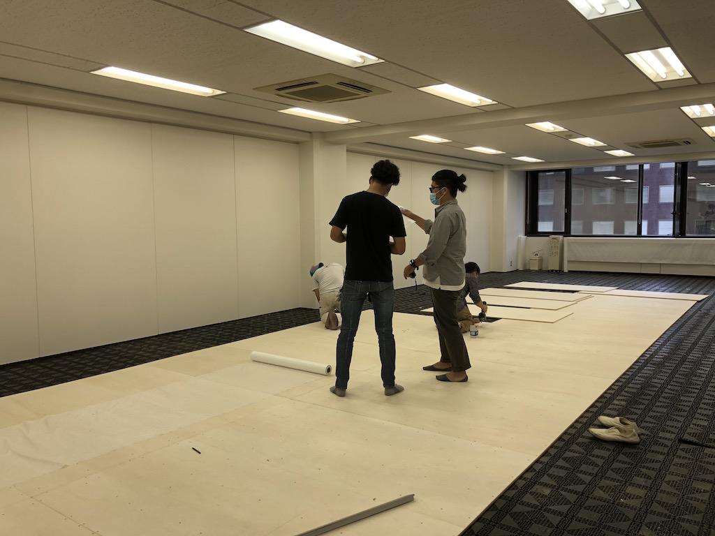 烏丸御池ではオフィスの新装工事が始まっています;